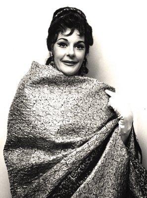 sf-opera-1965-tosca-400-collier