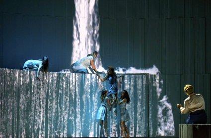 lyr-chi-troyens-425-water-ballet